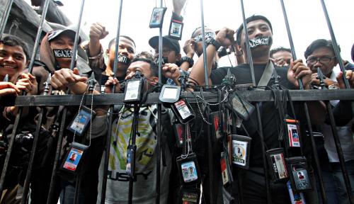 Foto Pemain Bola dan Denpom TNI Ikut Keroyok Wartawan, PWI Jember Ancam Pihak Kepolisian