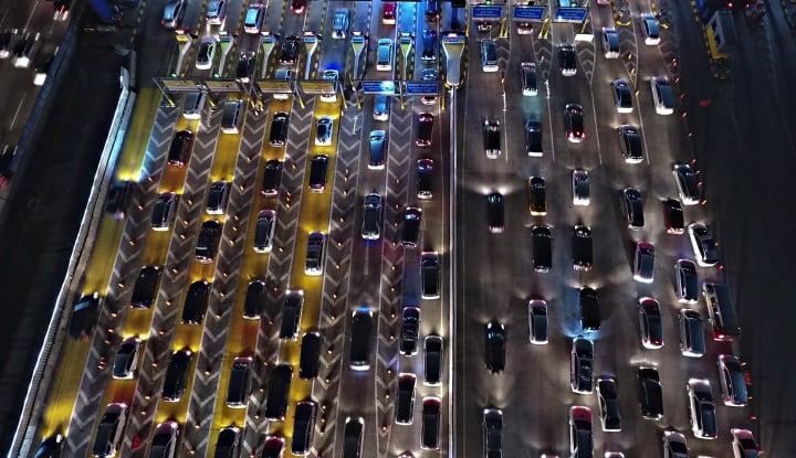 Foto Berita Libur Tahun Baru, 160 Ribu Kendaraan Keluar Jakarta