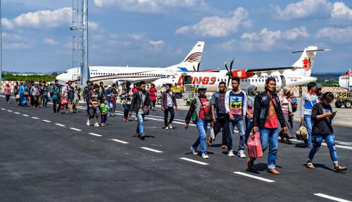 Foto Mei 2018, Penerbangan di Bandara Mamuju Turun 12,7%