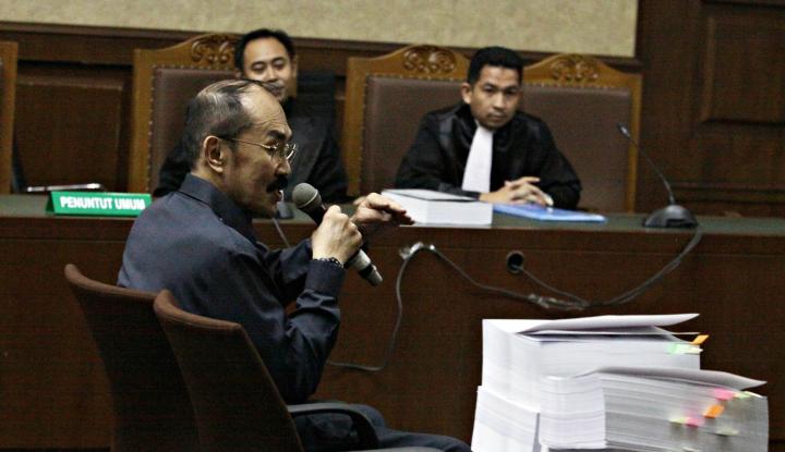 Foto Berita Terbukti Lindungi Novanto, Fredrich Divonis 7 Tahun Penjara