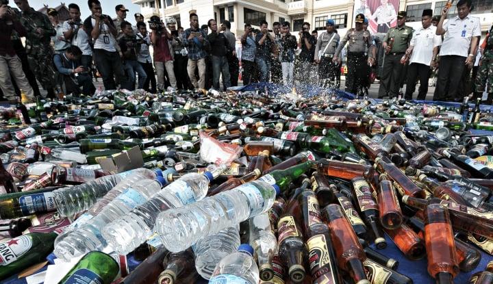 Foto Berita Pemilik Minuman Oplosan Akhirnya Diciduk Polisi