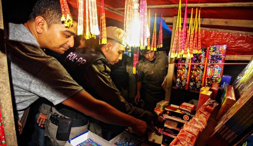 Foto Polisi Sita Ribuan Petasan