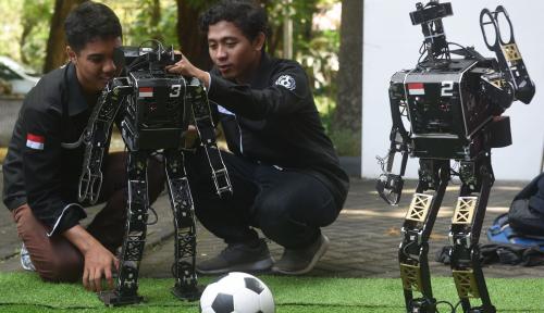 Foto Tim Robotika Indonesia Kalahkan China di Kanada