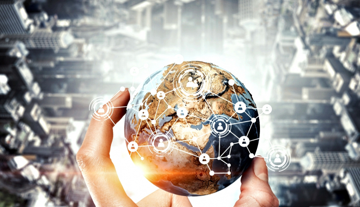 Foto Berita CEO Salesforce: AI Adalah Hak Asasi Manusia yang Baru