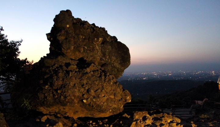 Foto Berita Gunung Es Industri Perjalanan Wisata