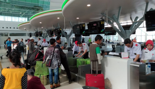 Foto Jumlah Penumpang Nataru Bandara SAMSDiprediksiStagnan