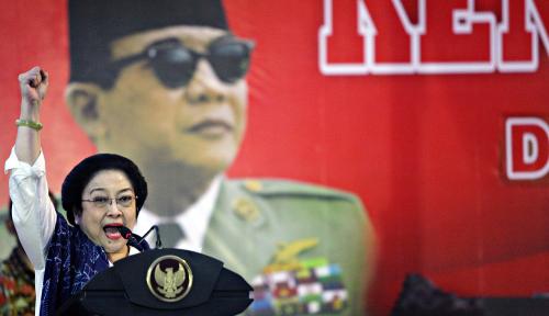 Foto Megawati Mumet ke Anak Buah Prabowo, Balasan Gerindra 'Perih'