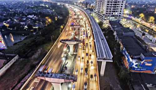 Foto Warga Minta LRT Rampung,