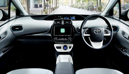 Foto Gandeng Toyota, Line Perkenalkan Clova Auto