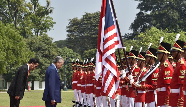 Foto Berita Pertemuan Jokowi-Mahathir Bahas Korupsi Hingga Sawit
