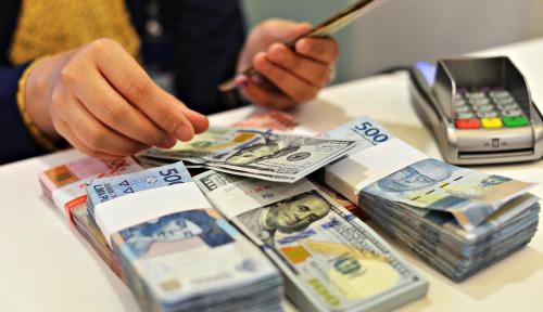 Foto Dolar Makin Bikin Rupiah Depresi Berat