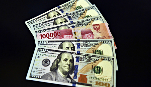 Foto Rupiah Letoy di Hadapan Dolar, Kapan Berakhirnya? (2)