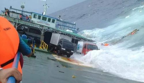 Foto Bolak-Balik Terjadi Kecelakaan Kapal, Apa Tindakan Menhub?