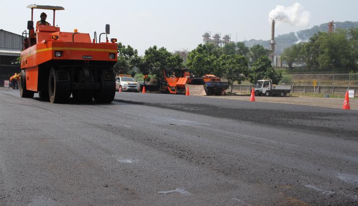 Permudah Akses Jalan Operasional, HCML Lakukan Pengaspalan Sepanjang 1 KM - Warta Ekonomi