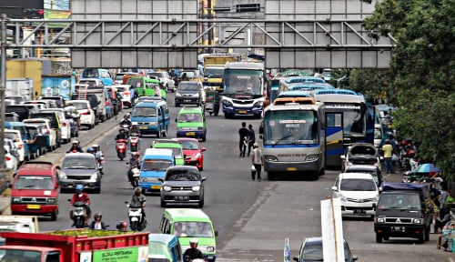 Foto Pengamat: Pemerintah Harusnya Lebih Fokus Perbaiki Angkutan Umum