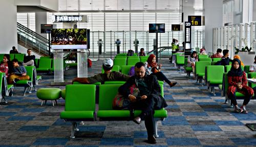 Foto Bangun Bandara Hanya 12 Bulan, Waskita Sabet Rekor MURI
