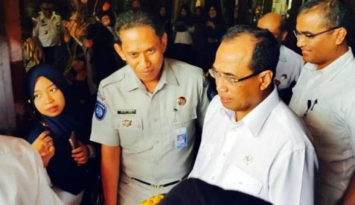 Foto Berita Lion Air JT-610 Jatuh, Menhub Didesak Mundur