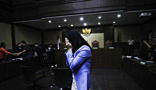 Foto Tok! Rita Widyasari Divonis 10 Tahun Penjara