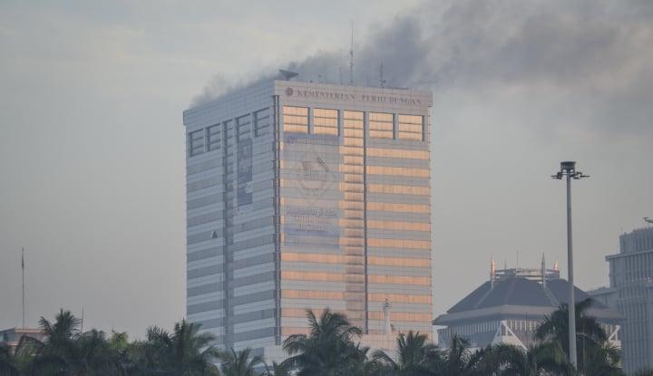 Foto Berita Apa Penyebab Kebakaran Gedung Kemenhub?