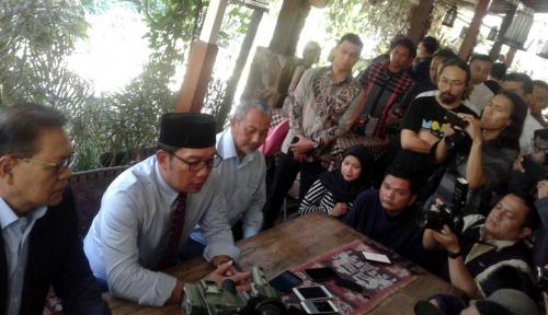 Foto Ridwan Kamil Bakal Adopsi Program 3 Paslon Pilgub Jabar