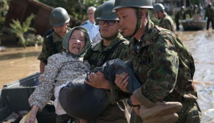 Foto Berita Dihantam Topan Jebi, Jepang Bersiap Evakuasi 1 Juta Warganya