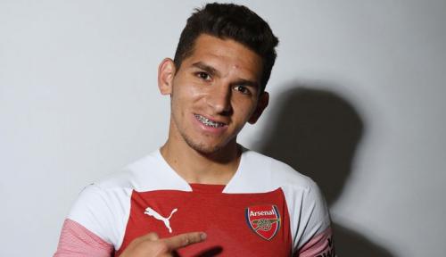 Foto 'Bicycle Kick' Lucas Torrerira Amankan Rekor Tak Terkalahkan Arsenal