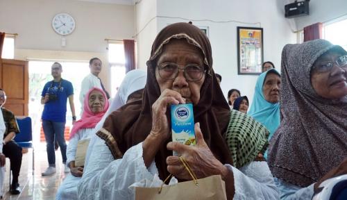 Foto Nielsen Indonesia Berbagi dengan Para Lansia di Panti Sosial