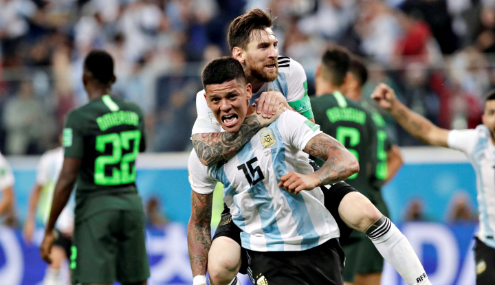Foto Berita Argentina Lolos, Maradona Dilarikan ke Rumah Sakit