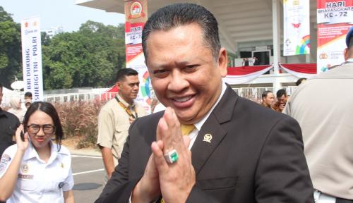 Foto Makam Dipindahkan Gara-Gara Beda Pilihan, Tanggapan Ketua DPR 'Lesu'