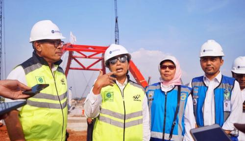 Foto Menteri Rini Pastikan Dua Ruas Tol Trans Jawa Rampung Akhir 2018