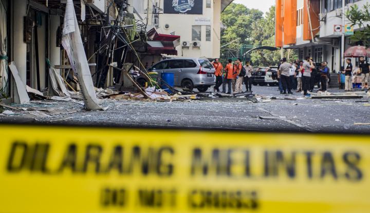 Foto Berita Ledakan Grand Wijaya, 11 Ruko Rusak dan 2 Pedagang Terluka