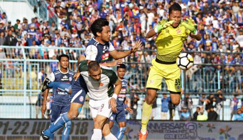Foto Arema Imbangi Persib 1-1 di Leg Pertama Babak 16 Besar Piala Indonesia
