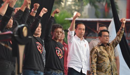 Foto Kedekatan Jokowi-Moeldoko Jangan Disepelekan