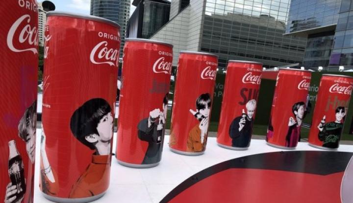 Foto Berita Coca-Cola Terserang Demam K-pop?