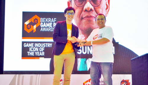 Foto Hari Sungkari Dinobatkan sebagai Game Industry Icon of The Year
