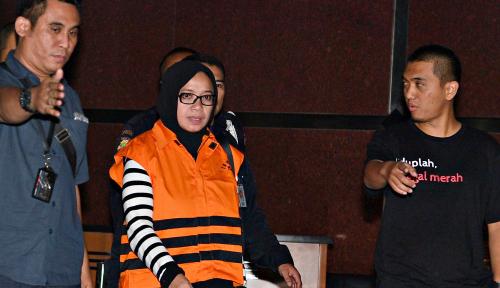 Foto Janji Eni Saragih, Serahkan Uang Suap ke KPK