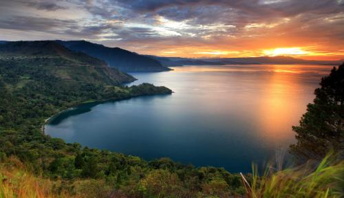 Foto Akhir Tahun Tiba, Barat dan Timur Indonesia Juga Punya Destinasi Wisata Menarik Lho!