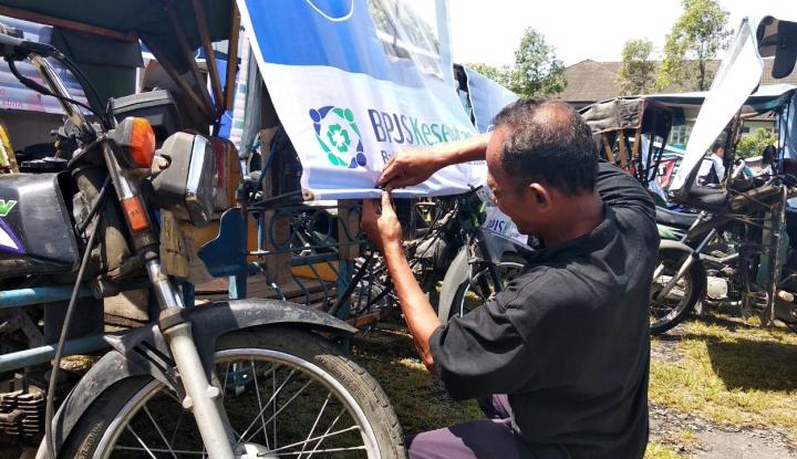 Foto Berita BPJS Kesehatan Sosialisasikan Manfaat JKN pada Tukang Becak di Medan