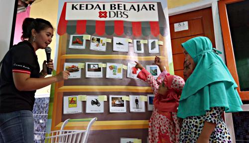 Foto Rayakan HUT ke-50, DBS Ajari Anak Pesisir Kelola Keuangan
