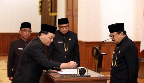 Foto Hari Ini, Jumadi Sah Jabat PJ Sekdaprov Jatim