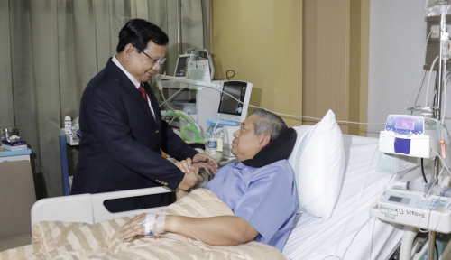 Foto Hore! SBY Sudah Bisa Pulang Usai Tiga Hari Dirawat