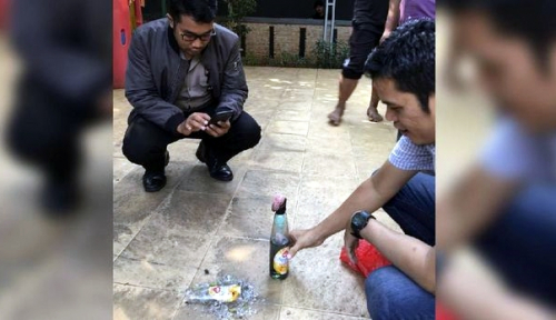 Foto Rumah Mardani Ali Dilempar Bom Molotov, Ulah Cebong Kah?