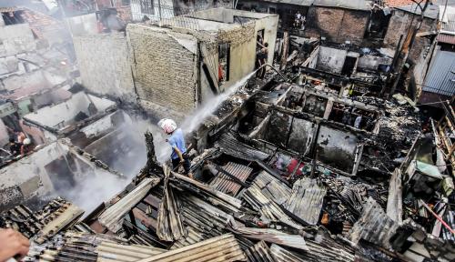 Foto Ayah dan Anak Terbakar di Lapak Jaktim, Berikut Identitasnya