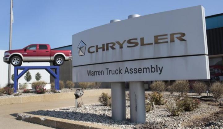 Foto Berita Chrysler Tarik 21.598 Unit Kendaraan di China, Kenapa?