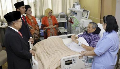 Foto Aburizal: SBY Belum Sembuh Penuh, tapi Wajahnya Cerah