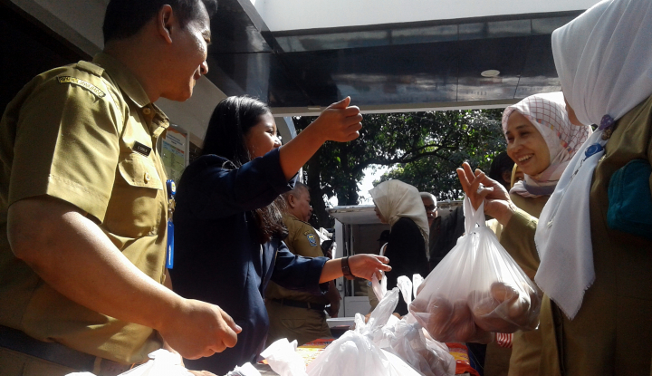 Foto Berita Harga Daging dan Telur Ayam Tinggi, BI Jabar Gelar Pasar Murah