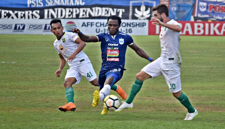 Foto Berita PSIS Semarang Taklukkan Persib 3-0