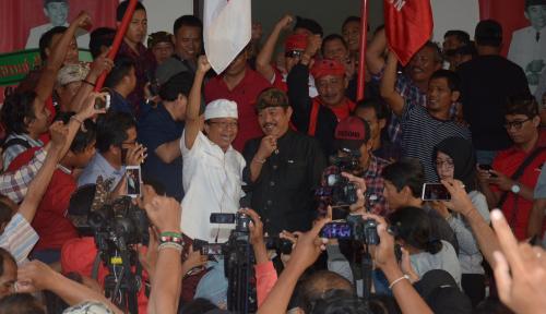 Foto Wayan Koster Resmi Ditetapkan sebagai Gubernur Terpilih versi KPU