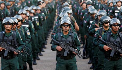 Foto Kamboja Kerahkan Pasukan Bersenjata Jelang Pemilu