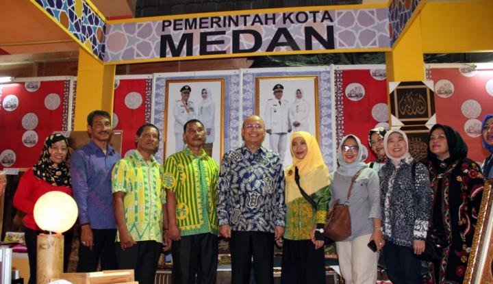 Foto Berita Walikota Optimistis Produk UMKM Khas Medan Laris di Rakernas APEKSI XIII